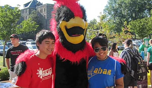 Students with Cardinal mascot